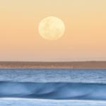 En la próxima década, la luna podría generar peligrosas inundaciones costeras